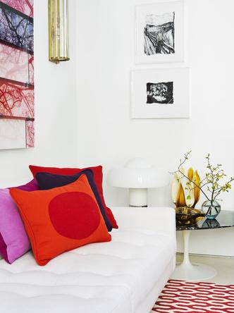 Яркие подушки в интерьере: 20 идей (галерея 0, фото 0)