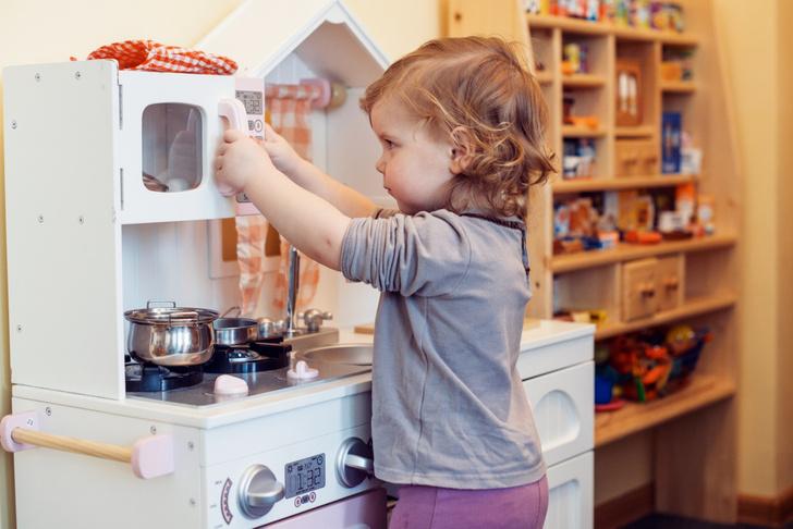 Фото №3 - Как научить ребенка убирать за собой игрушки: 5 типичных ситуаций
