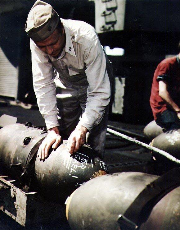 Фото №14 - 22 завораживающих цветных фото Второй мировой