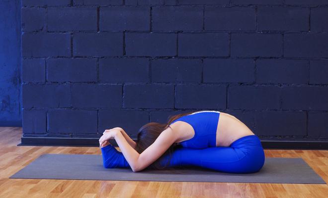 Фото №8 - Йога для ленивых: красивое тело, не выходя из спальни