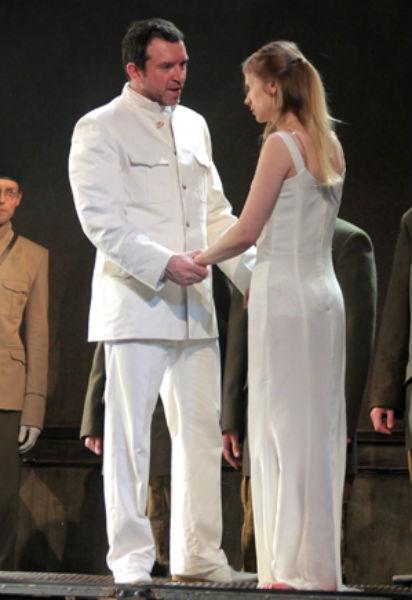 Фото №4 - Играя, сердце разбивают: двенадцать омских актеров-красавцев. Голосуем!