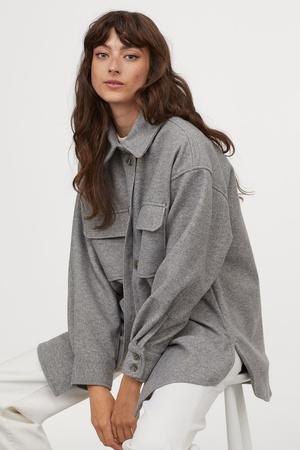 Фото №5 - Где купить точно такую же куртку-рубашку, как у Лили Коллинз, и еще 4 похожие альтернативы