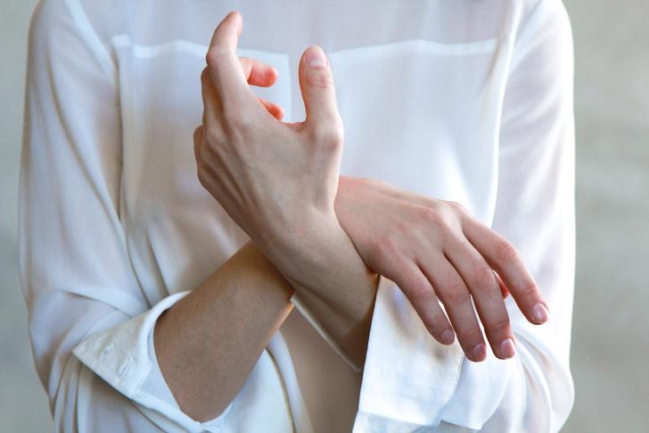 резкое онемение рук и ног сигналит о высоком уровне холестерина в крови