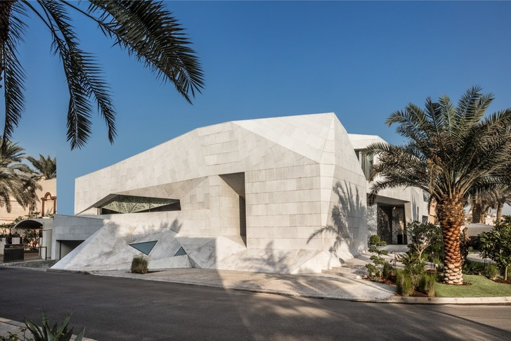 Фото №1 - Необычный дом-оригами в Кувейте: проект студии AGi Architects