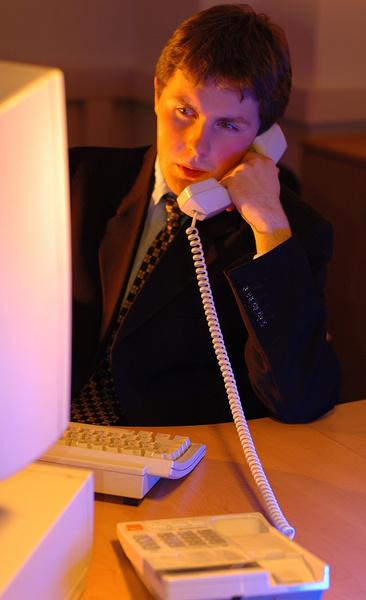 Фото №1 - Усатый нянь возвращается: российские мужчины все чаще откликаются на традиционно женские вакансии