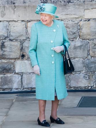 Фото №16 - От Елизаветы II до герцогини Кейт: любимые обувные бренды королевские особ