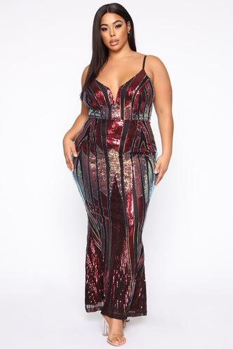 Фото №3 - Много красоты: 15 платьев на выпускной для plus size девчонок 👗