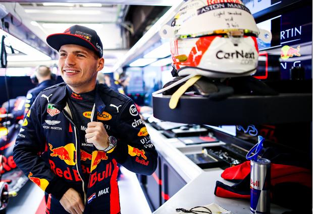 Фото №1 - Колумнист российского ELLE выиграл Гран-При «Формулы 1» в Монако