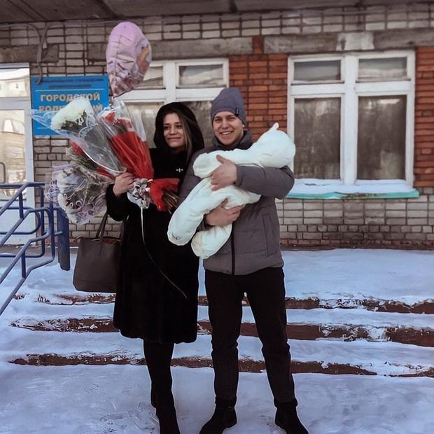 Звезда шоу «Пацанки» Ирина Голощапова впервые стала мамой