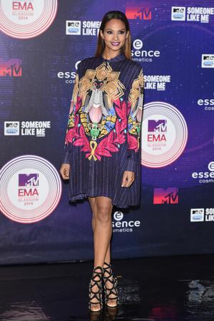 Фото №11 - Премия MTV EMA: лучшие звездные образы за всю историю