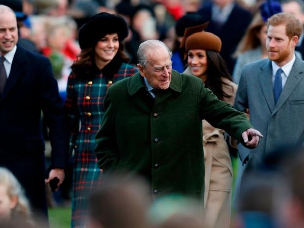 Фото №3 - Уроки прошлого: чему Меган стоило поучиться у принца Филиппа (но она выбрала другой путь)