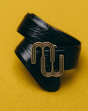 Фото №2 - Что купить в новой аксессуарной коллекции Maje: от сумок до украшений