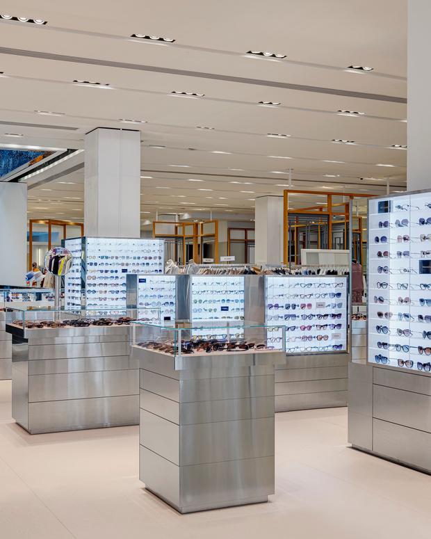 Фото №6 - Обновленный корнер Ochki Boutique в универмаге «Цветной»