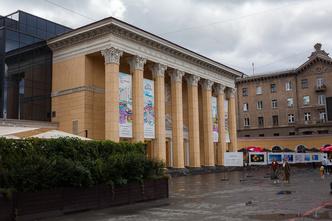 Фото №21 - Между Музой и Тельцом: прогулка с певцом и маркетологом Кареном Мовсесяном