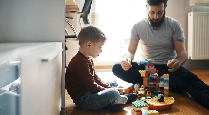 Как помочь ребенку справиться с тяжелым стрессом