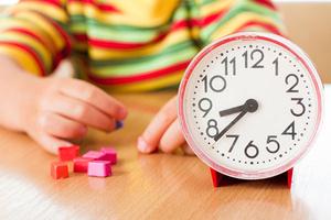 Фото №1 - Ребенок и время: когда рождаются «завтра» и «вчера»?