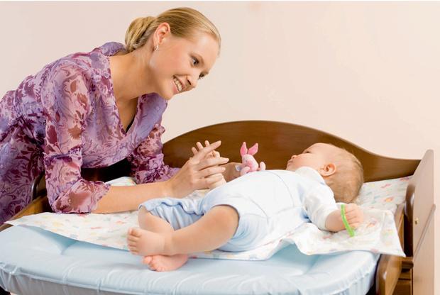 Фото №1 - Учим малыша переворачиваться на животик: 6 этапов
