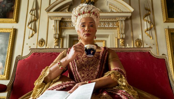 Фото №1 - У сериала «Бриджертоны» появится спин-офф о молодости королевы Шарлотты 😍