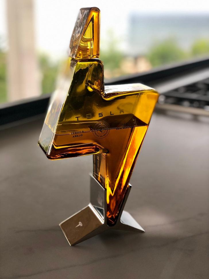 Фото №3 - «Тесла» выпустила свою текилу— и ее уже всю почти выпили
