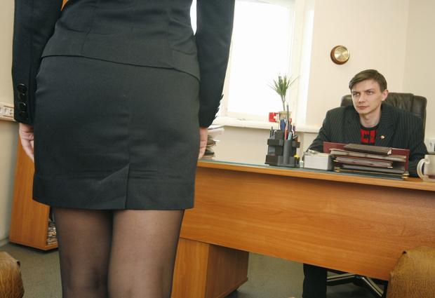 Фото №3 - Женщины сверху: каждый десятый мужчина в России сталкивался с домогательствами на работе
