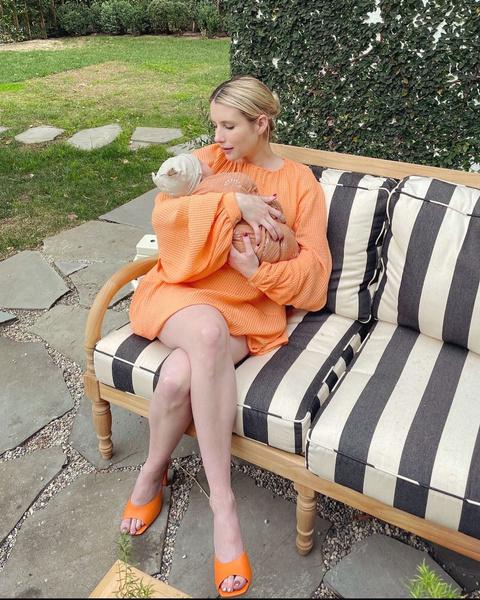 Фото №1 - Эмма Робертс поделилась первым фото малыша Родса 😍