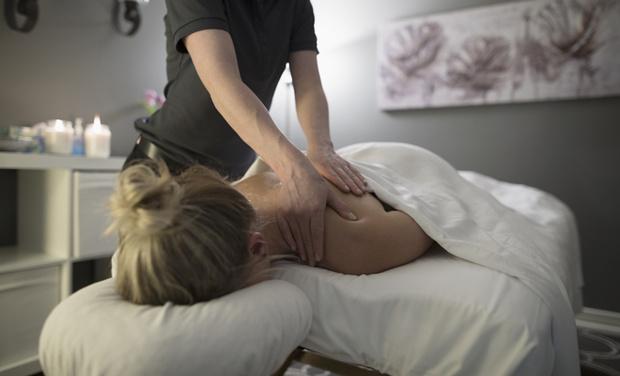 Фото №4 - Плохая подушка или травма: что делать, если болит шея