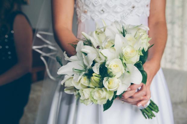 Фото №1 - От торта до платья: как сэкономить на свадьбе, делятся реальные пары