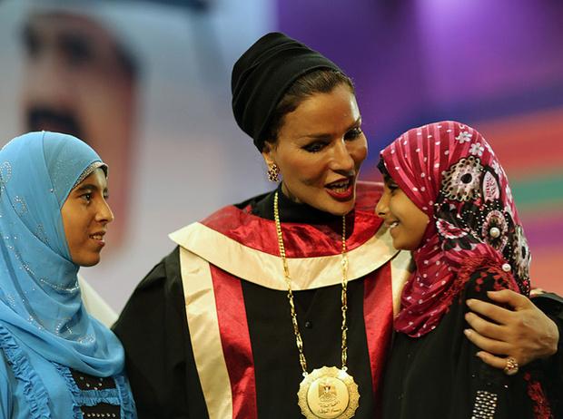 Фото №6 - Великолепная шейха Моза: как дочь мятежника стала «королевой сердец» Востока и иконой стиля