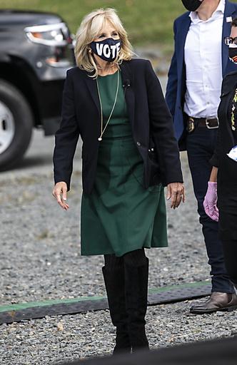 Фото №14 - Стиль Джилл Байден: как одевается новая Первая леди США