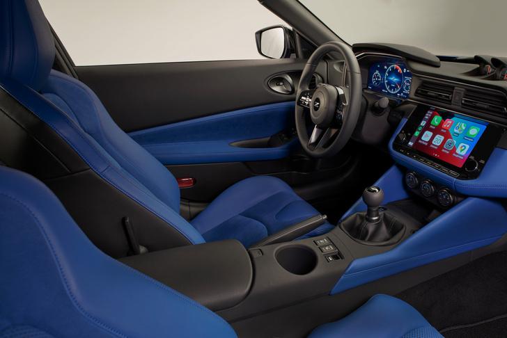 Фото №3 - Зорро возвращается. Nissan рассекретил новый спорткар серии Z