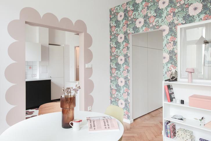 Фото №1 - Маленькая квартира в розовых тонах в Варшаве