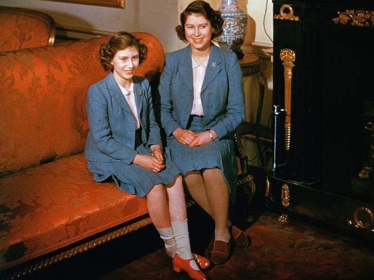 Фото №3 - Суровые уроки жизни, которые Шарлотта и Луи Кембриджские выучат на примере принцев Гарри и Эндрю