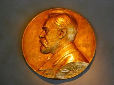 Виктор Пелевин и Владимир Евтушенко среди претендентов на Нобелевскую премию