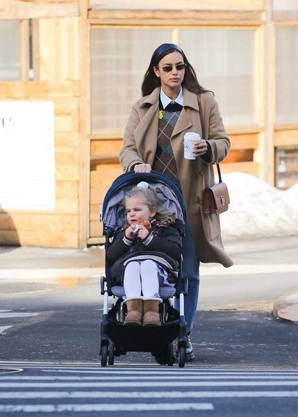 Ирина Шейк с дочерью Леа