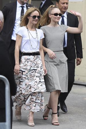 Фото №20 - Стиль по наследству: как одеваются самые модные мамы и дочери