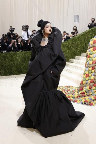 Фото №4 - Met Gala 2021: все модные образы бала Института костюма