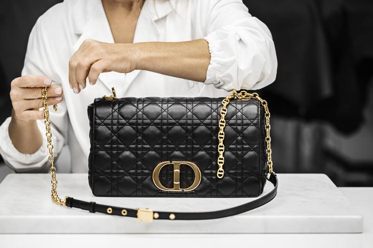 Фото №1 - Новая классика: как создается сумка Dior Caro