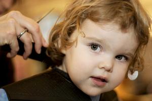 Фото №3 - Первый раз в... парикмахерскую!