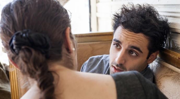 Как помочь партнеру с социофобией?