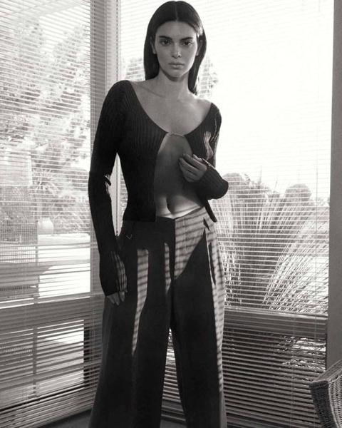 Фото №2 - Свитера, кардиганы и платья: модный трикотаж на осень-2021