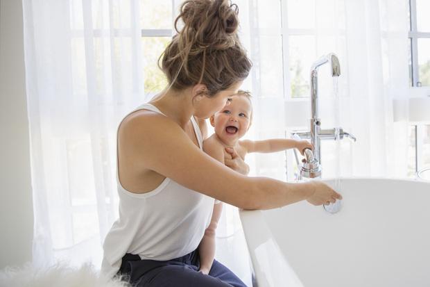 ребенок наглотался воды из ванной с мылом