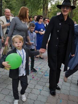 Михаил Боярский с внуком фото