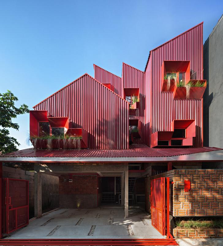 Фото №4 - Яркий пансион на острове Ява по проекту Ismail Solehudin Architecture