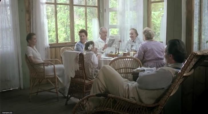 Фото №2 - Дачная жизнь в 5 знаменитых фильмах