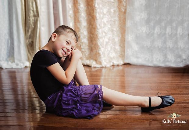 Мальчик носит платья - что делать