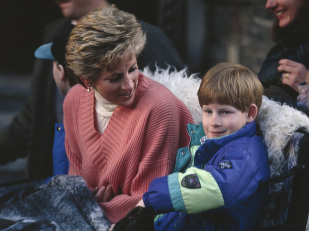 Фото №1 - «Оставьте Диану в покое!»: как Сассекские продолжают зарабатывать на памяти принцессы Уэльской