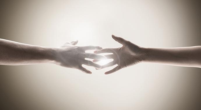 «Нас не научили ухаживать за отношениями с другим»