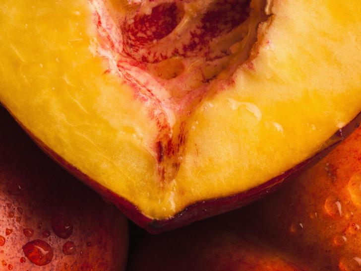 Фото №2 - Аромат дня: Bitter Peach от Tom Ford