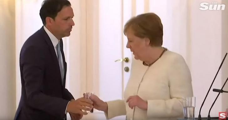 Фото №2 - Неубедительно! Представители Ангелы Меркель дали официальное объяснение ее недавнему приступу