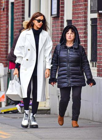 Фото №21 - Ген стиля: как выглядят и одеваются мамы супермоделей